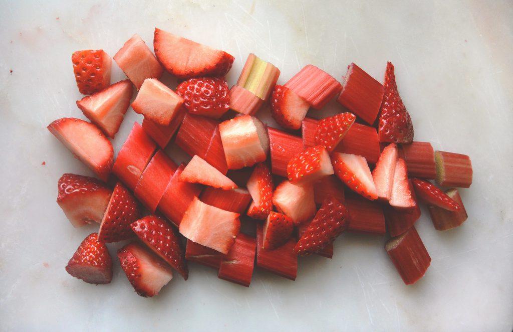 ingrédient du crumble fraise rhubarbe