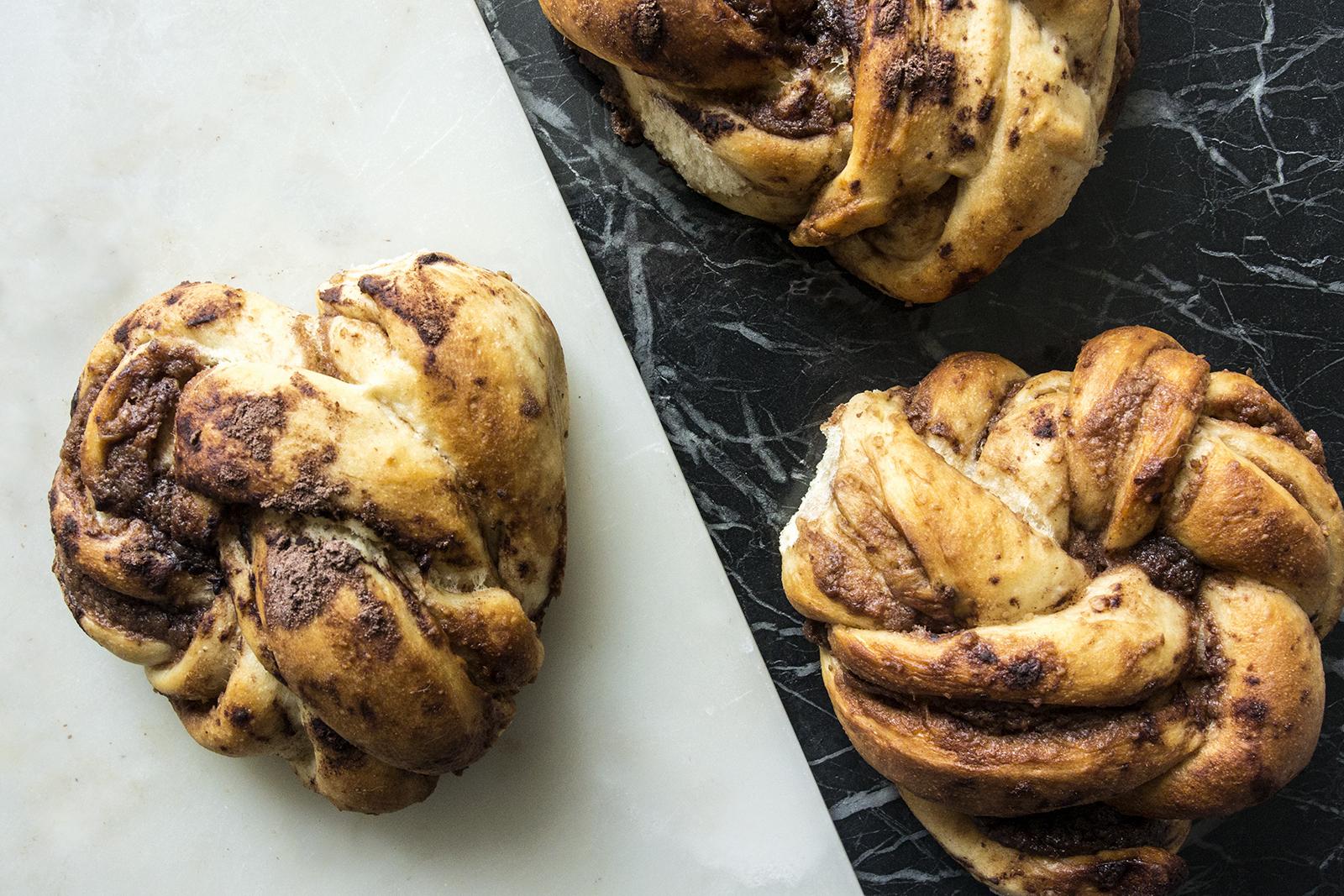 Chocolate knot – Petits pains à la noisette et au chocolat