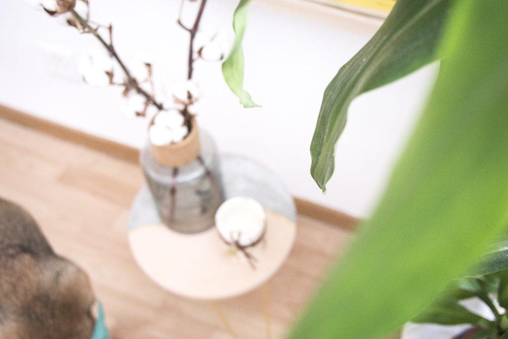 Table basse en ciment et bois imitation Kinstugi